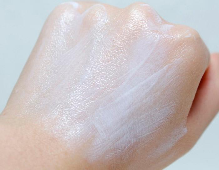 Солнцезащитный минеральный крем SOME BY MI Truecica Mineral 100 Calming Sun Cream SPF50+ PA++++
